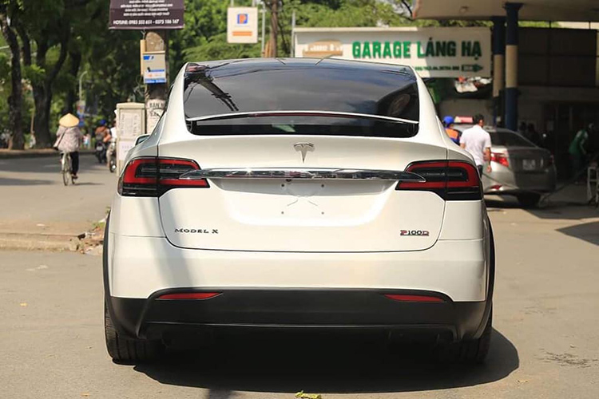 Tesla Model X P100D hon 8 ty len san xe cu Ha Noi-Hinh-4