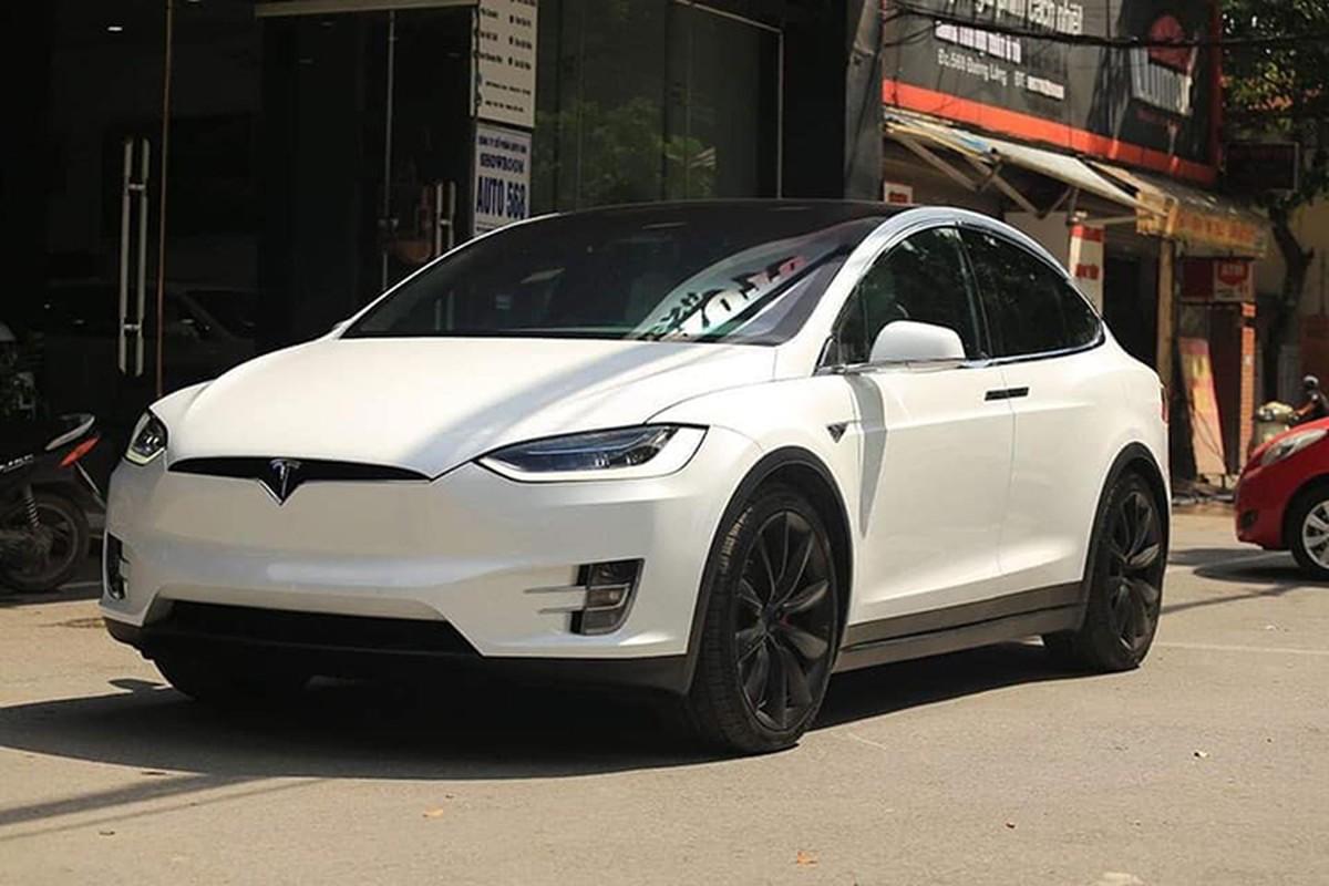 Tesla Model X P100D hon 8 ty len san xe cu Ha Noi