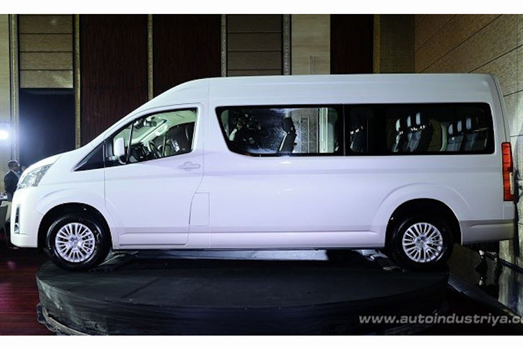 Toyota Hiace the he moi ban ra 1 ty dong tai Philippines-Hinh-2