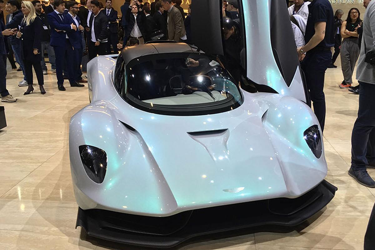 Diep vien 007 se cam lai Aston Martin Valhalla 1,9 trieu USD-Hinh-3