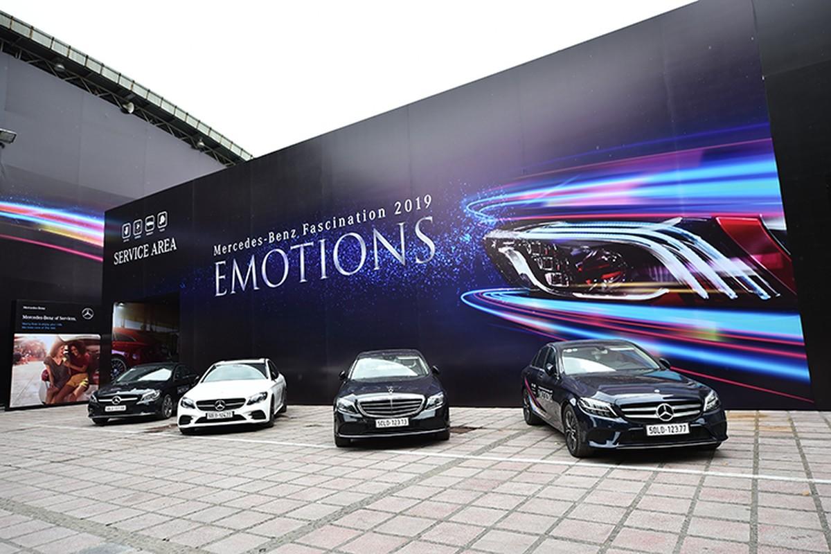 Ca dan xe sang Mercedes-Benz tien ty do bo ve Ha Noi