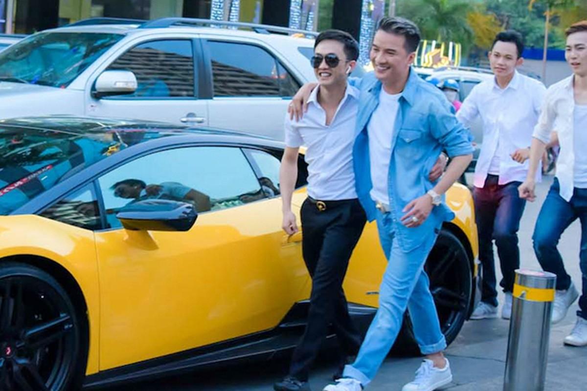 Mr. Dam tau xe MPV hang sang Toyota Alphard bac ty-Hinh-10