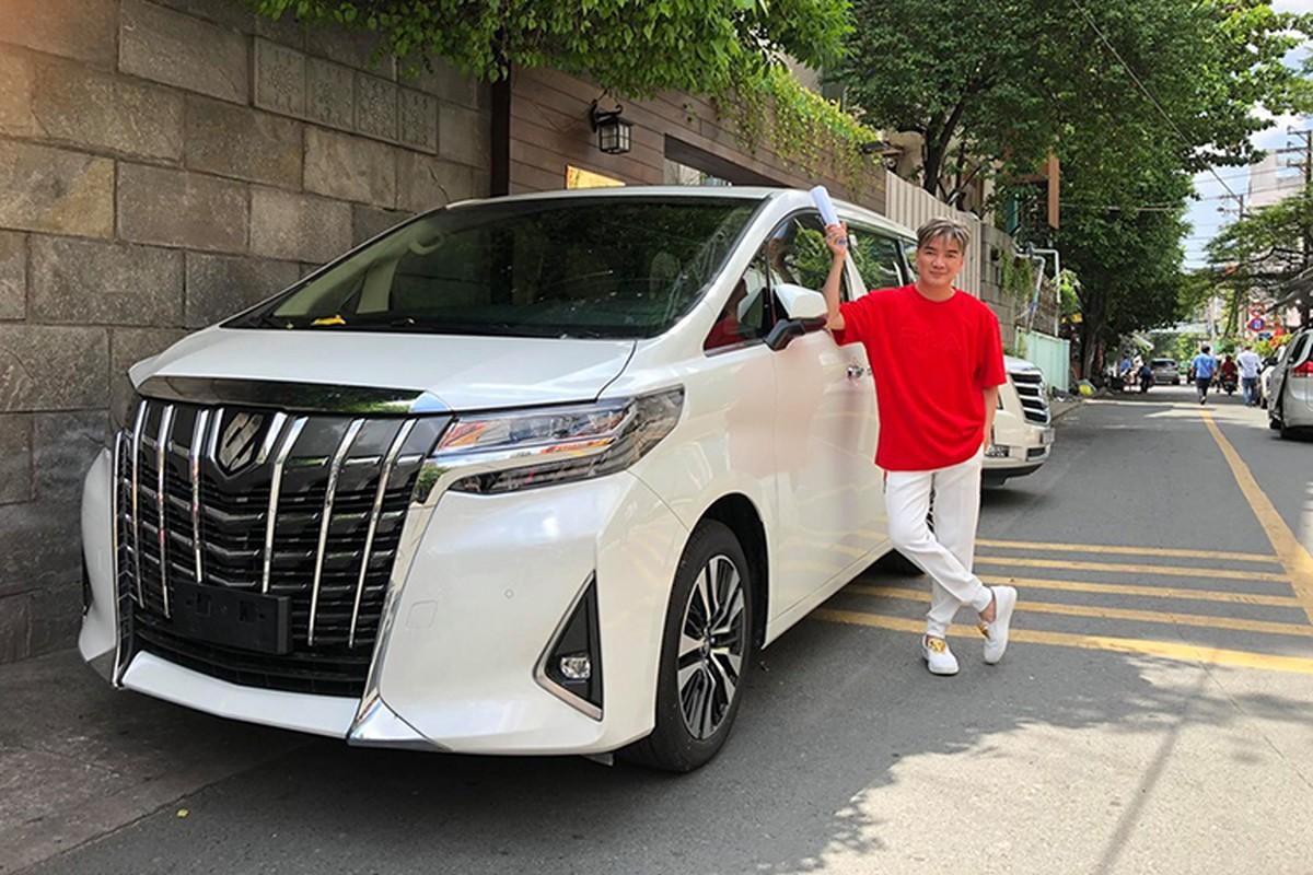 Mr. Dam tau xe MPV hang sang Toyota Alphard bac ty