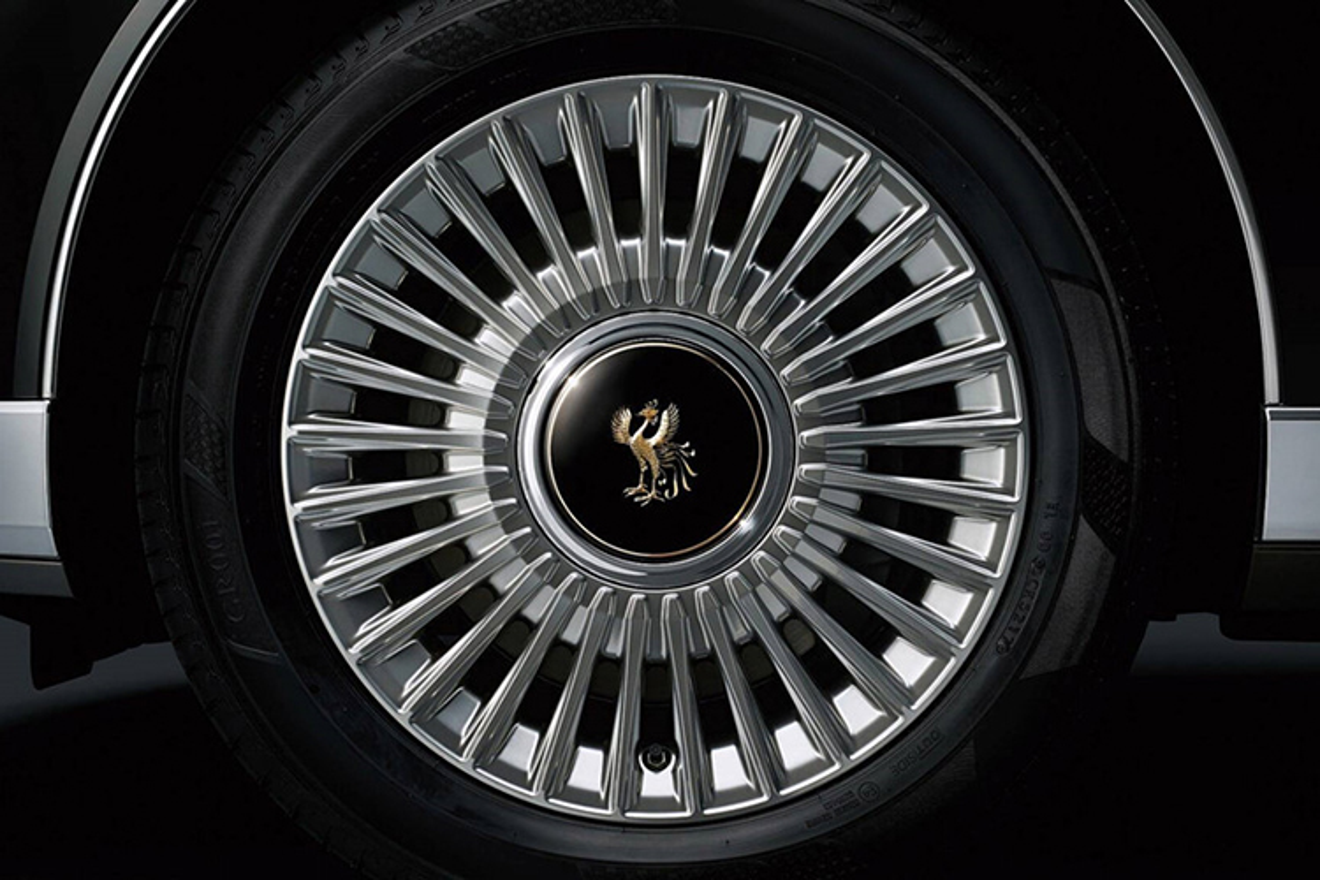 Mui tran Toyota Century Convertible danh rieng cho Nhat hoang-Hinh-4