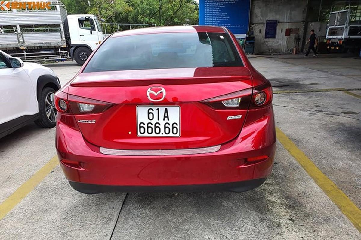 Dai gia Binh Duong chi gan 2,7 ty mua Mazda3 bien khung-Hinh-4