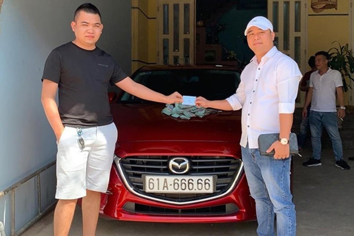 Dai gia Binh Duong chi gan 2,7 ty mua Mazda3 bien khung
