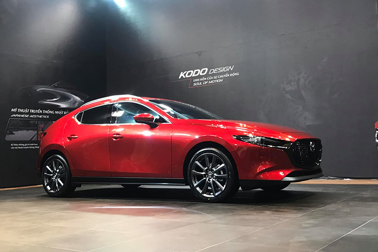 Can canh Mazda3 2019