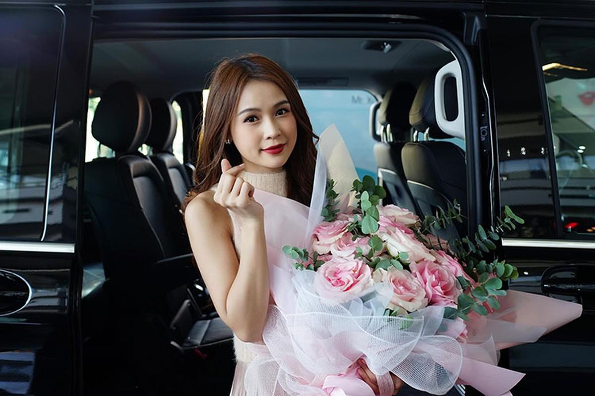 Hot girl Sam tau Mercedes-Benz V250 Luxury hon 2,5 ty dong-Hinh-4