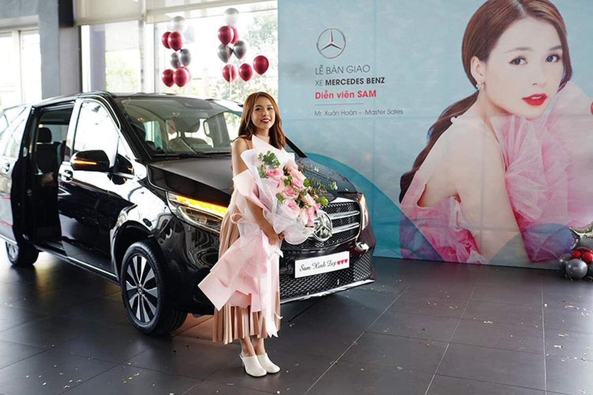Hot girl Sam tau Mercedes-Benz V250 Luxury hon 2,5 ty dong
