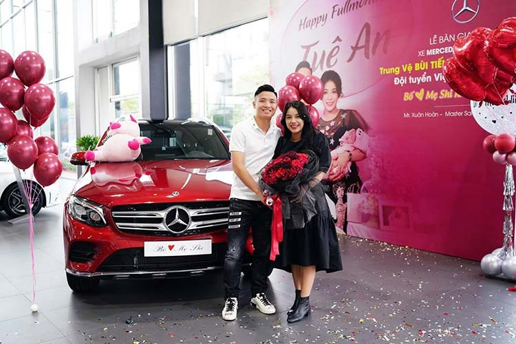 Trung ve Bui Tien Dung tau SUV Mercedes-Benz GLC tien ty-Hinh-8
