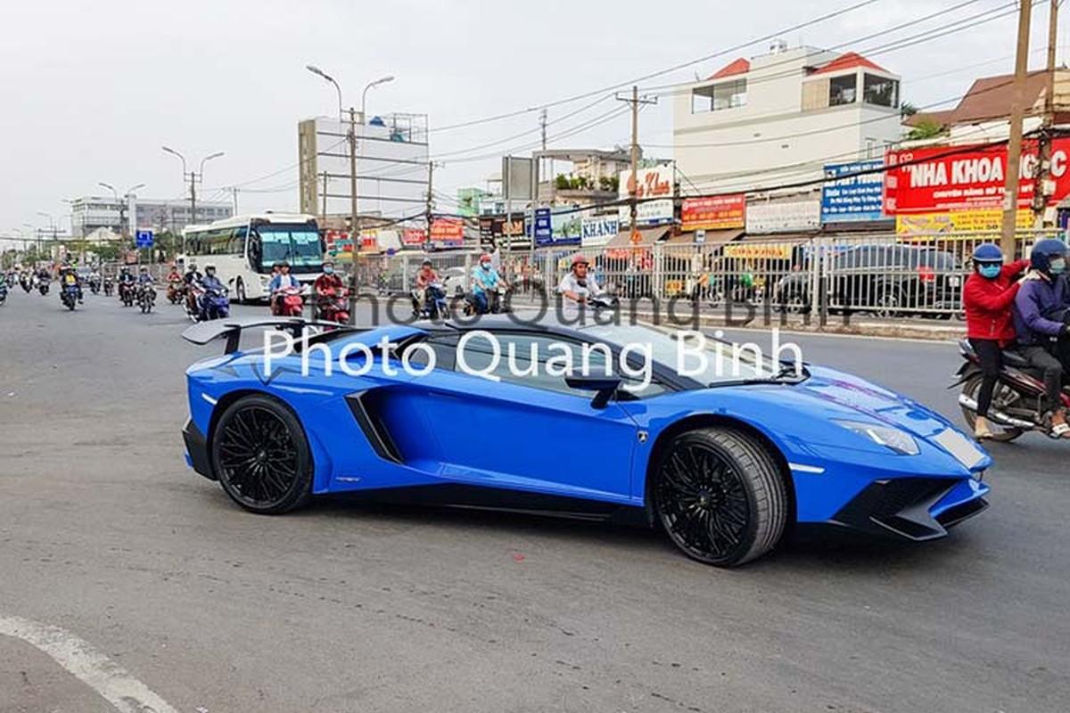 Xe Lamborghini Aventador SV Roadster gan 40 ty tai Viet Nam