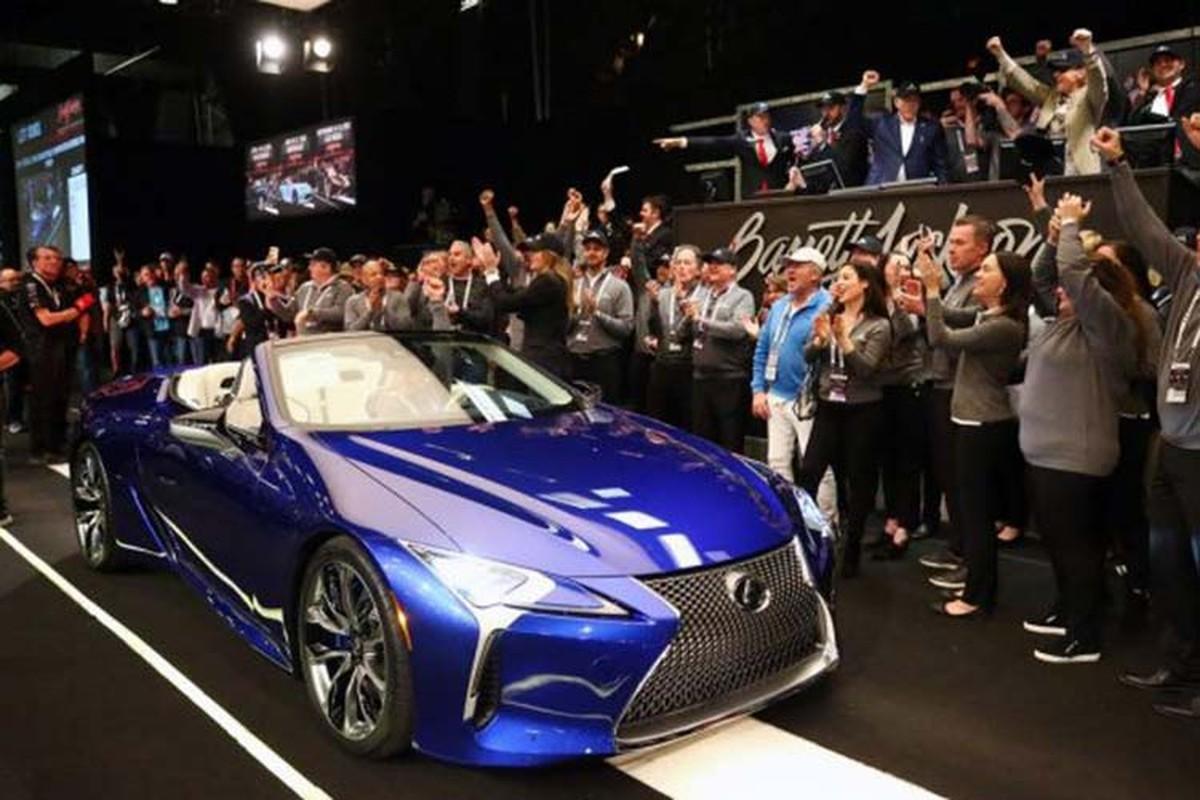 Lexus LC500 Convertible ban thuong mai dau tien hon 46 ty dong