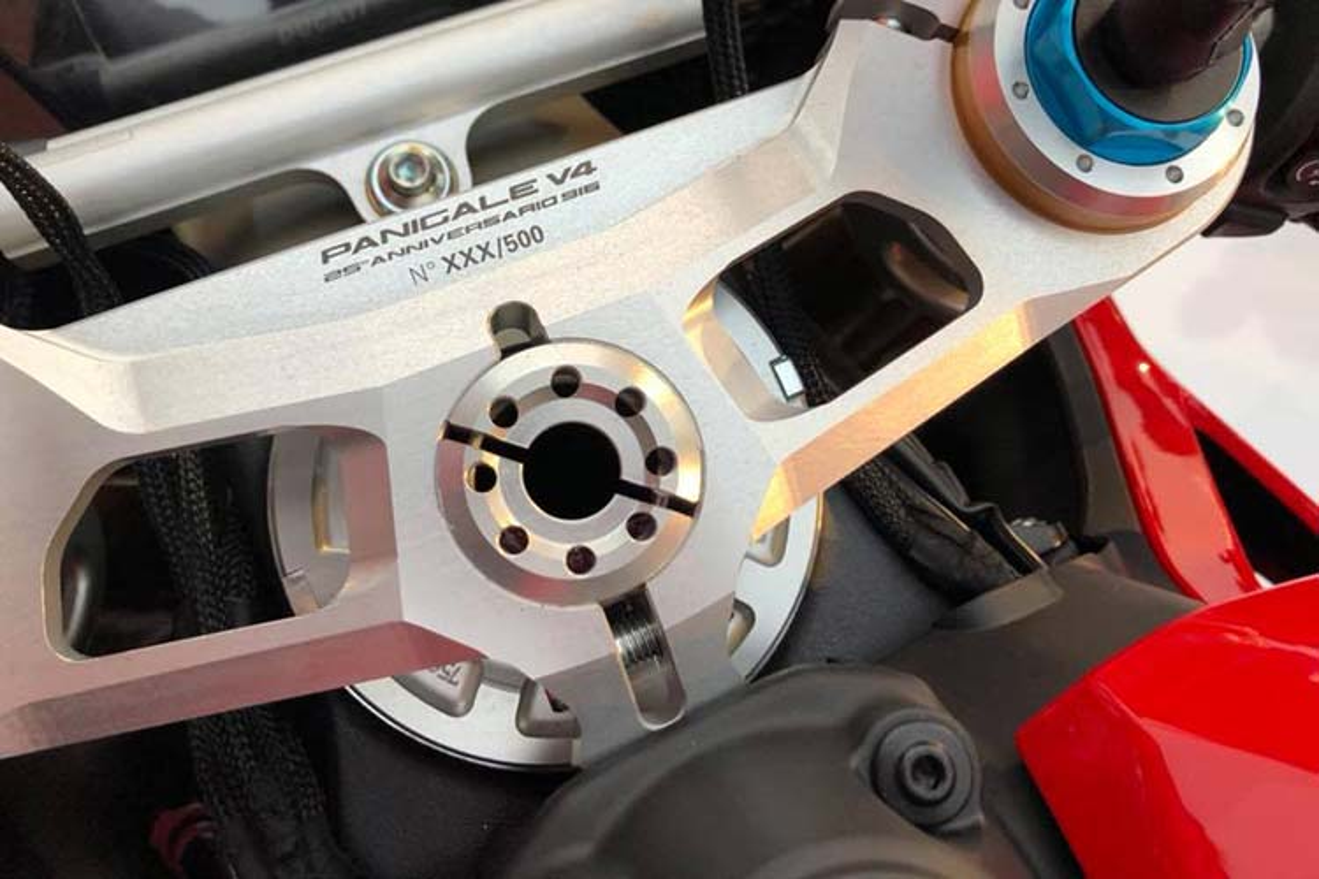 Sieu moto Ducati Panigale V4 25th hon 2 ty dong tai Malaysia-Hinh-4