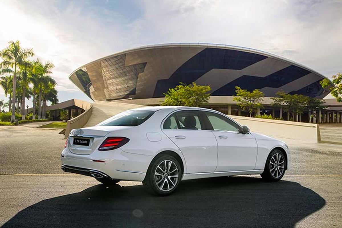 Can canh Mercedes-Benz E200 Exclusive hon 2,2 ty tai Viet Nam-Hinh-2