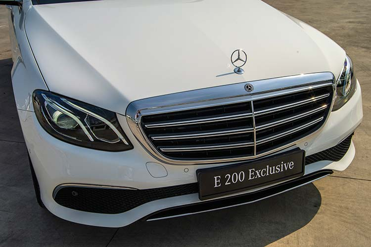 Can canh Mercedes-Benz E200 Exclusive hon 2,2 ty tai Viet Nam-Hinh-3