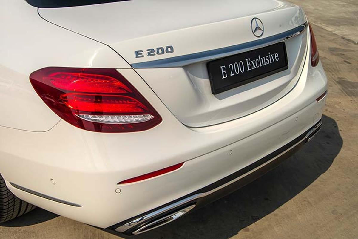 Can canh Mercedes-Benz E200 Exclusive hon 2,2 ty tai Viet Nam-Hinh-4