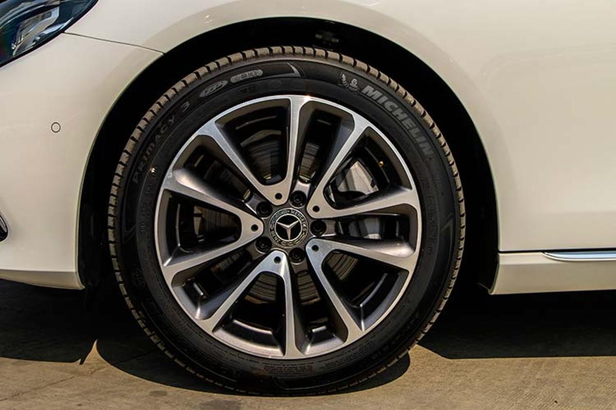 Can canh Mercedes-Benz E200 Exclusive hon 2,2 ty tai Viet Nam-Hinh-5