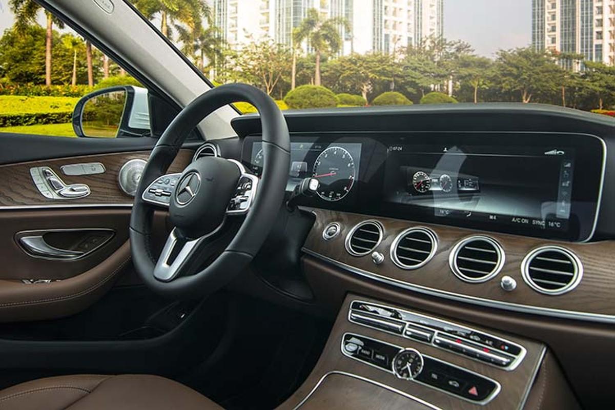 Can canh Mercedes-Benz E200 Exclusive hon 2,2 ty tai Viet Nam-Hinh-6