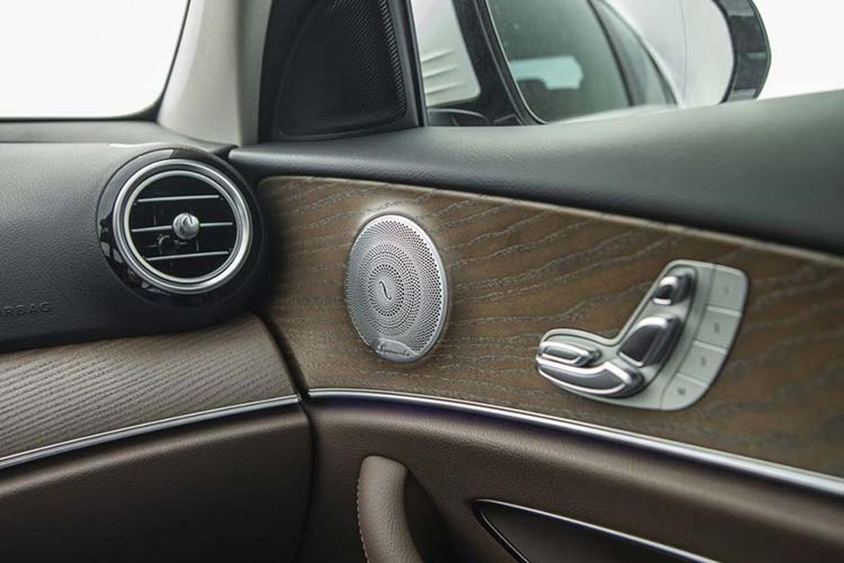 Can canh Mercedes-Benz E200 Exclusive hon 2,2 ty tai Viet Nam-Hinh-9