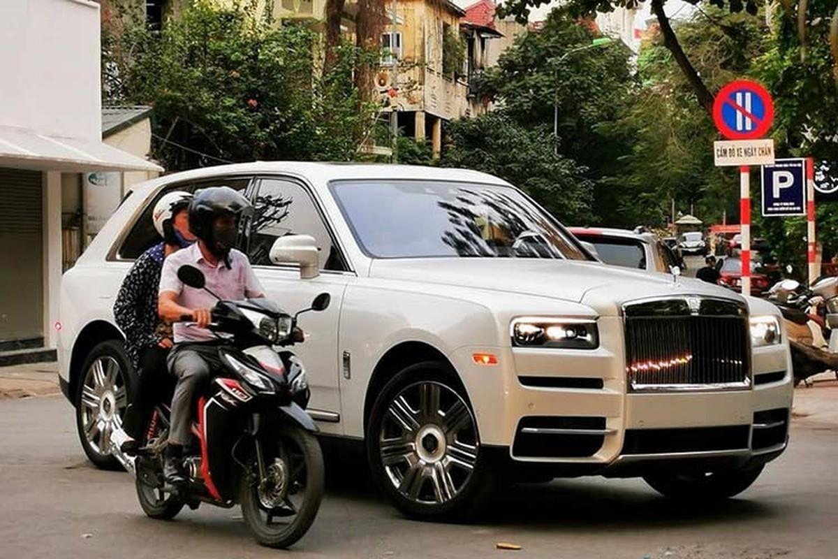 Rolls-Royce Cullinan len san xe cu chi hon 17 ty o Ha Noi