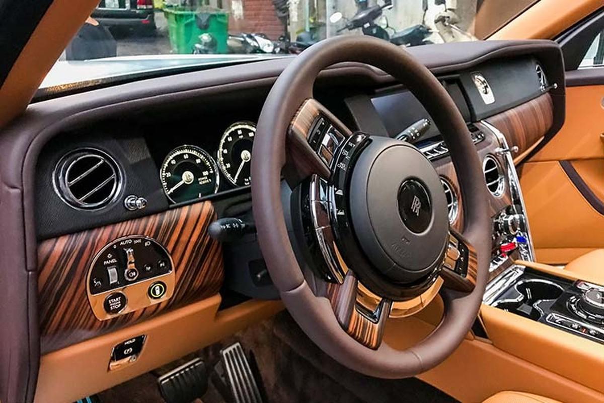 Rolls-Royce Cullinan hon 40 ty lap logo phat sang o Ha Thanh-Hinh-6