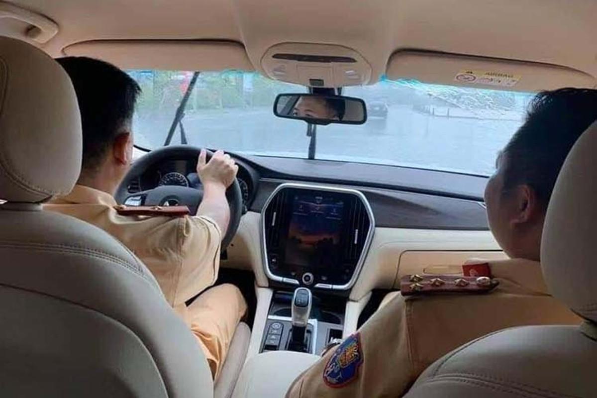 Xuat hien bo doi xe VinFast Lux danh cho CSGT Viet Nam-Hinh-4