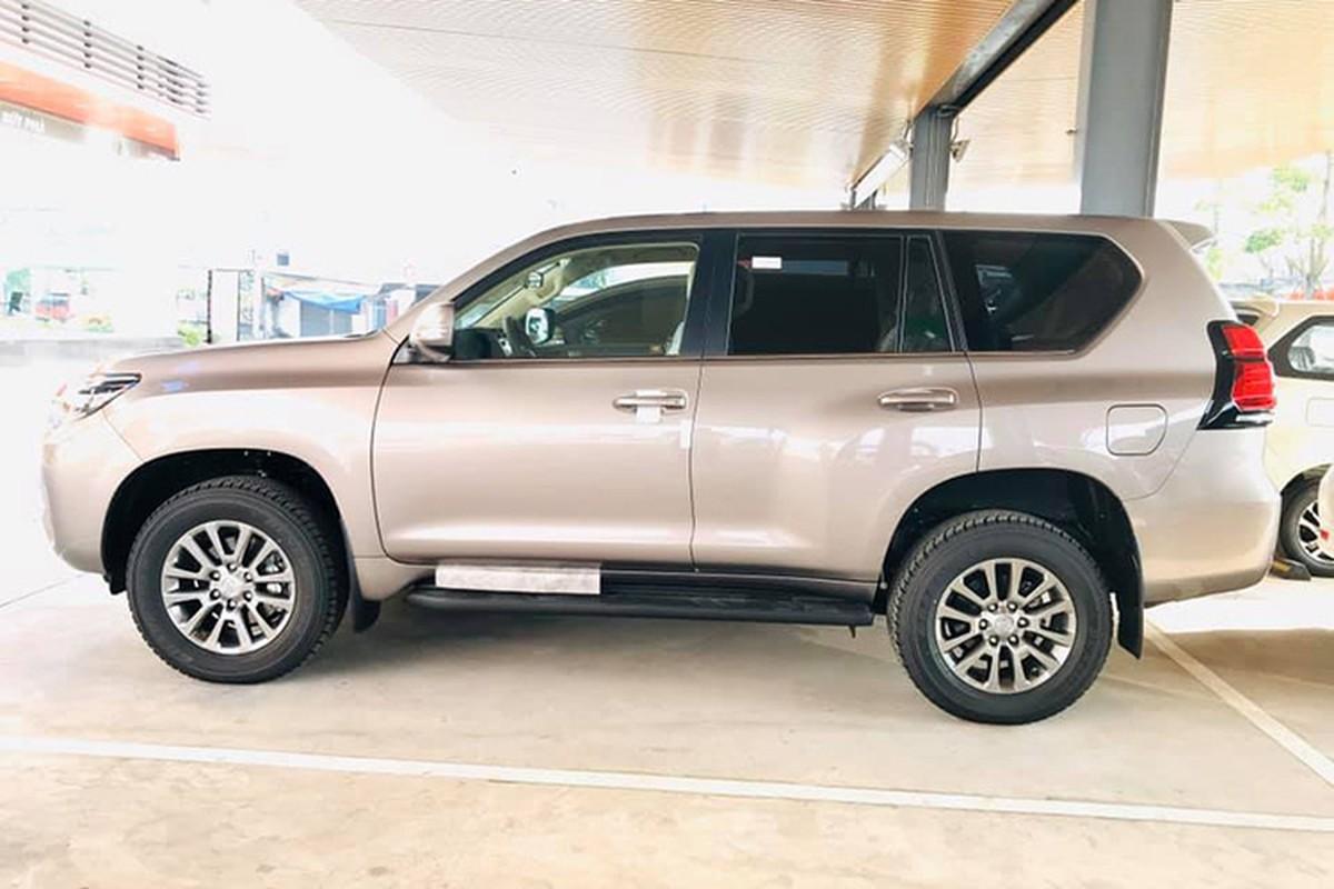 Can canh Toyota Land Cruiser Prado 2020 hon 2,3 ty tai Viet Nam-Hinh-2