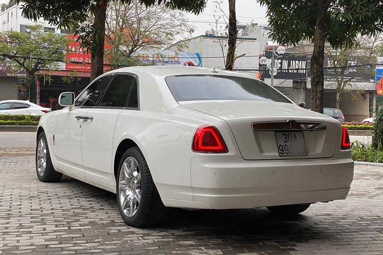 Can canh Rolls-Royce Ghost dung 10 nam hon 9 ty o Ha Noi-Hinh-4