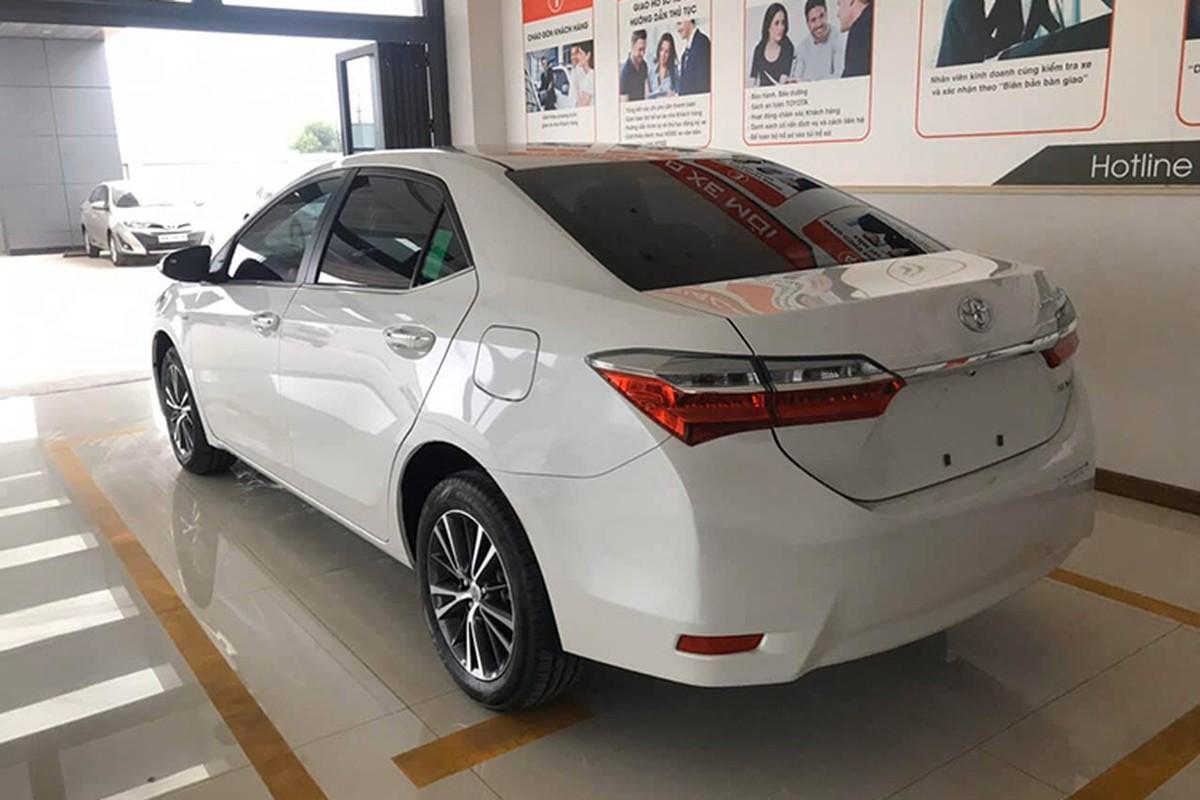 Toyota Corolla Altis giam gan 100 trieu dong tai Viet Nam-Hinh-4