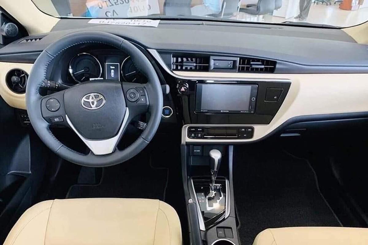 Toyota Corolla Altis giam gan 100 trieu dong tai Viet Nam-Hinh-5
