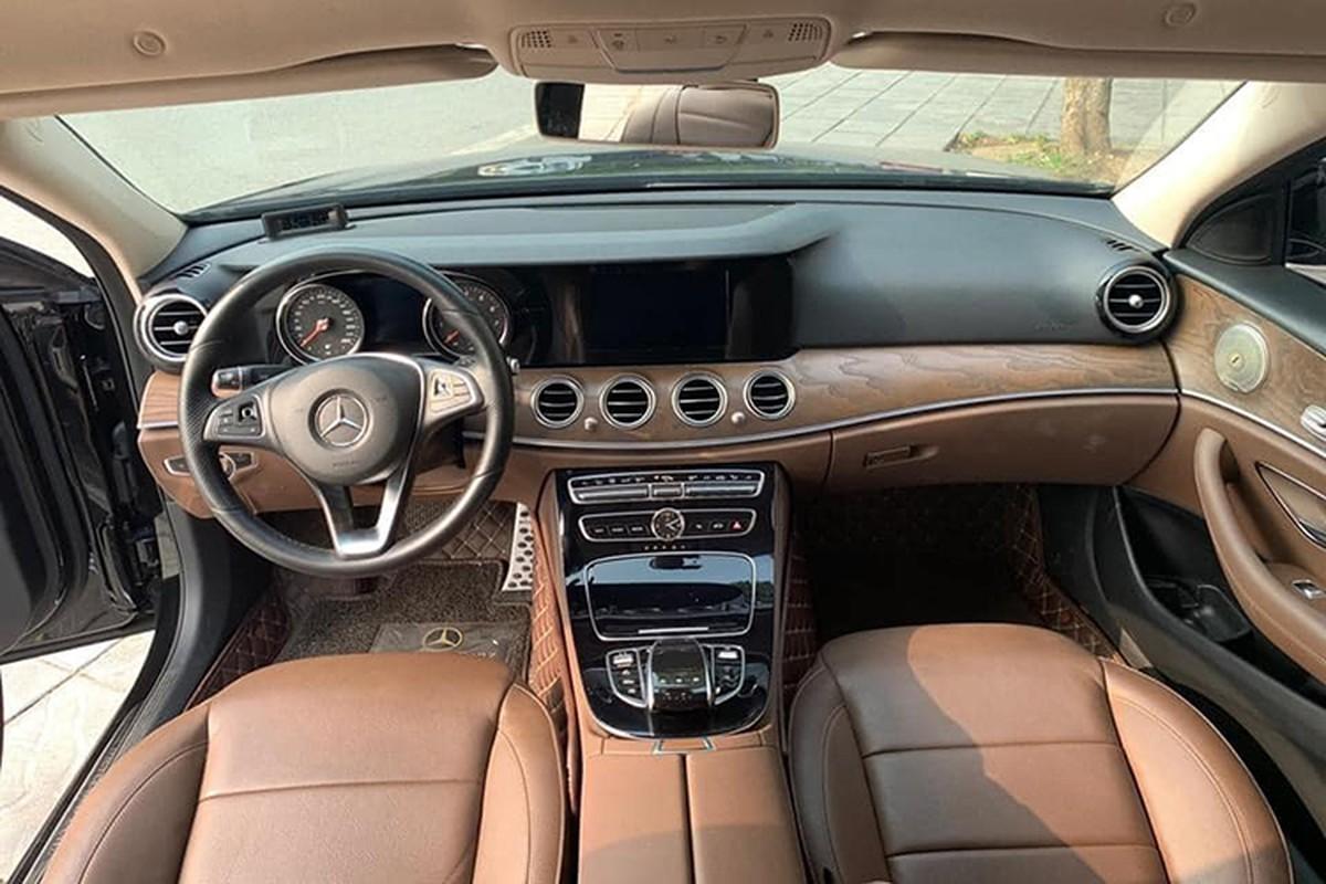Mercedes-Benz E200 chay 2 nam