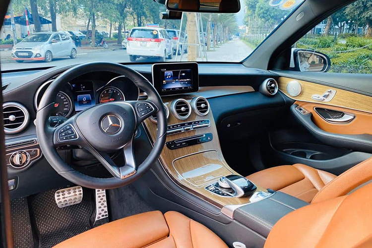 Co nen mua Mercedes-Benz GLC 250 cu hon 1,5 ty o Ha Noi?-Hinh-5