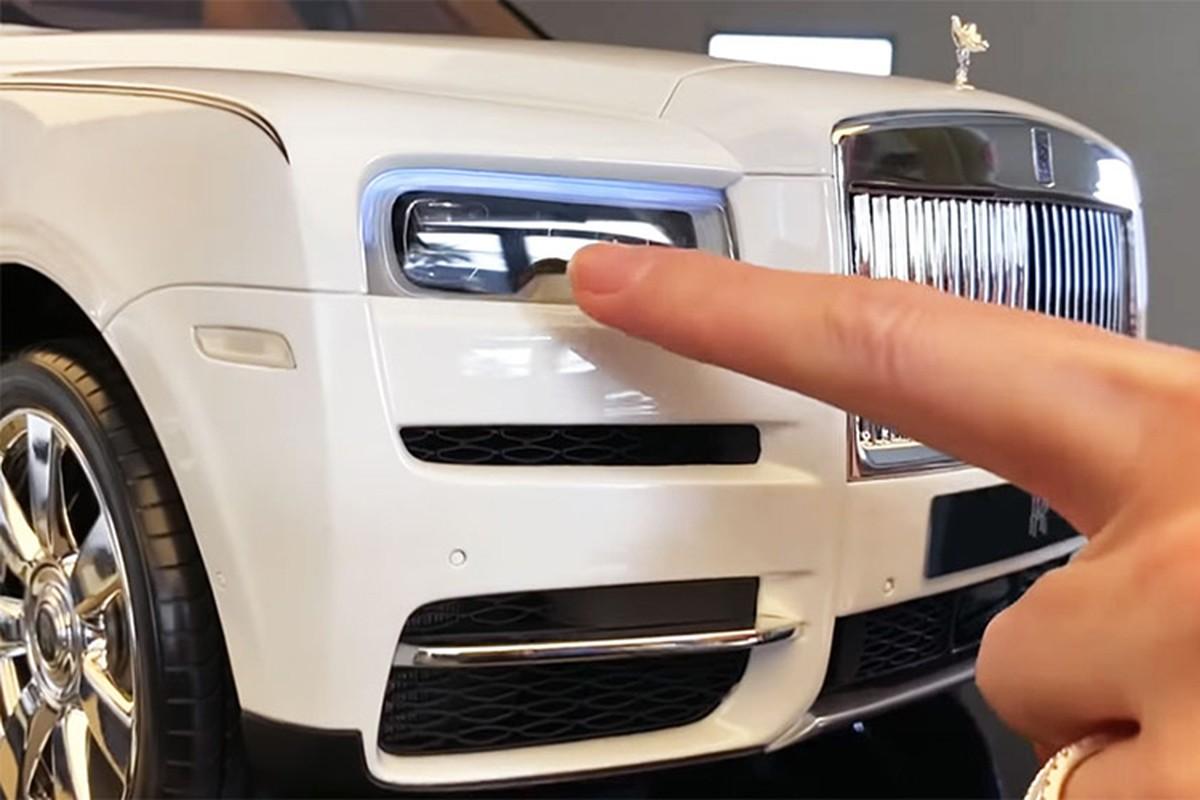 Rolls-Royce Cullinan mo hinh 1:8 len den gan 1 ty dong-Hinh-3