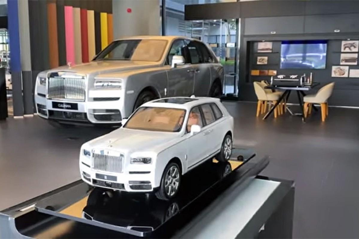 Rolls-Royce Cullinan mo hinh 1:8 len den gan 1 ty dong