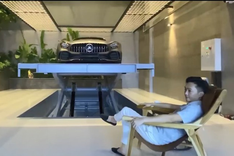 Cuong Do la chi 11,6 ty dong tau Mercedes-AMG GT-R moi