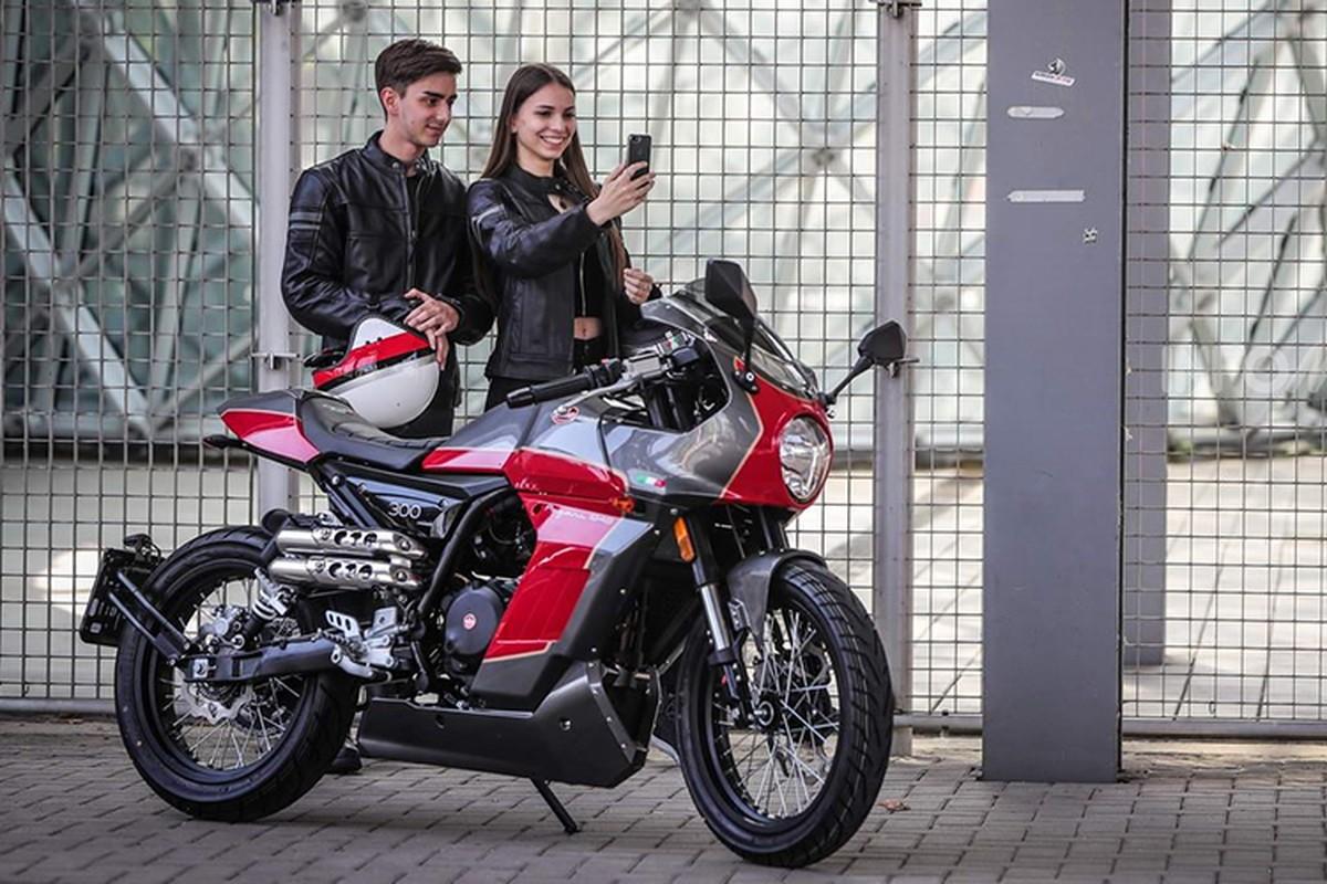 Ngam moto Aprilia Pagani 150 Cafe Racer chi 71,6 trieu dong-Hinh-6