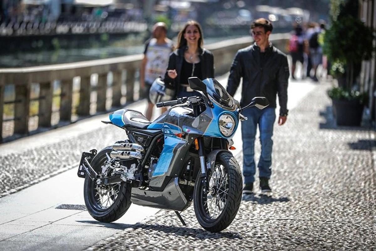 Ngam moto Aprilia Pagani 150 Cafe Racer chi 71,6 trieu dong