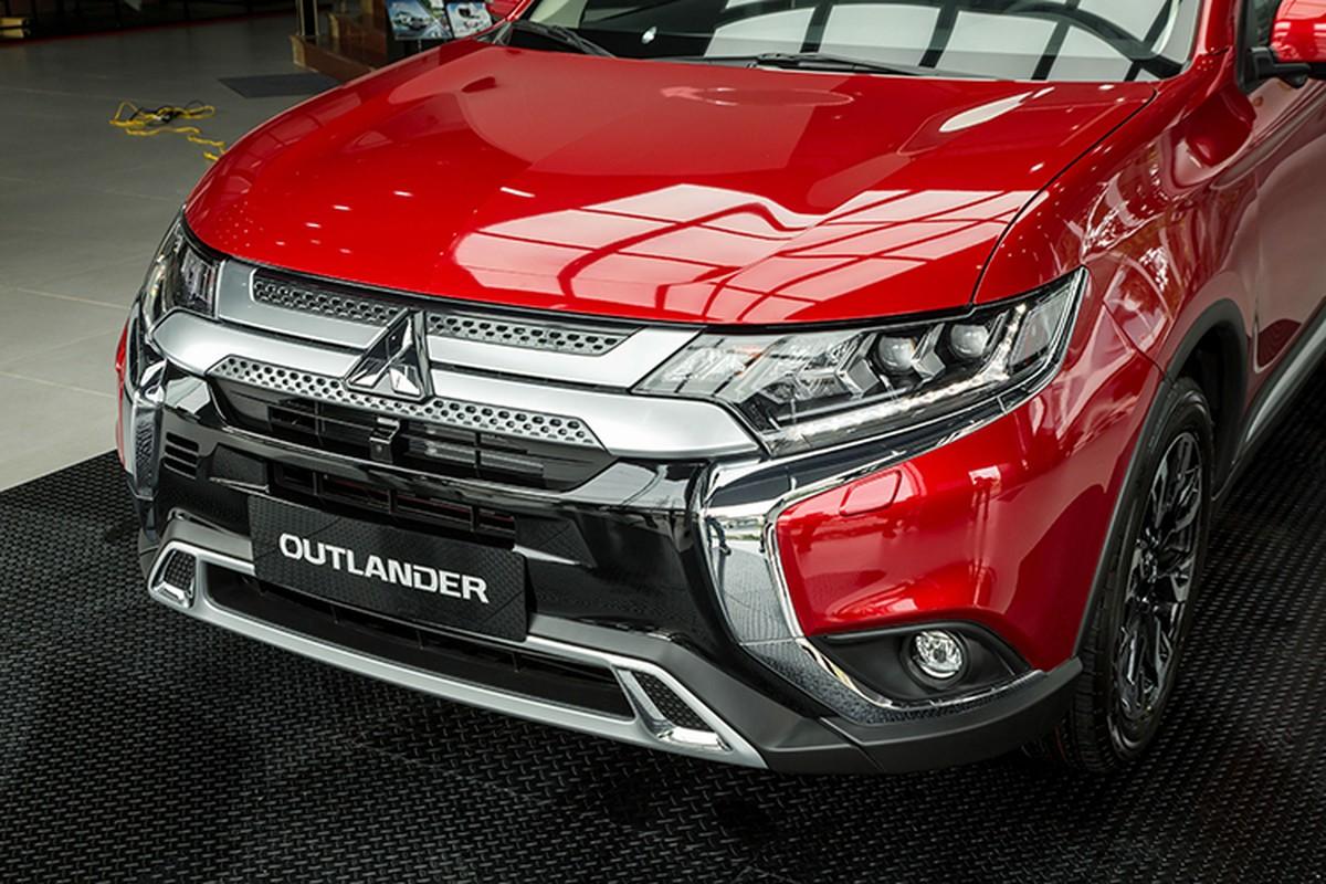 Mitsubishi Outlander 2020 dat nhat, giam 42 trieu tai Viet Nam-Hinh-3
