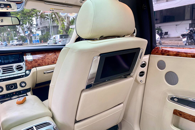 Can canh Rolls-Royce Ghost dung 9 nam hon 8 ty o Ha Noi-Hinh-9