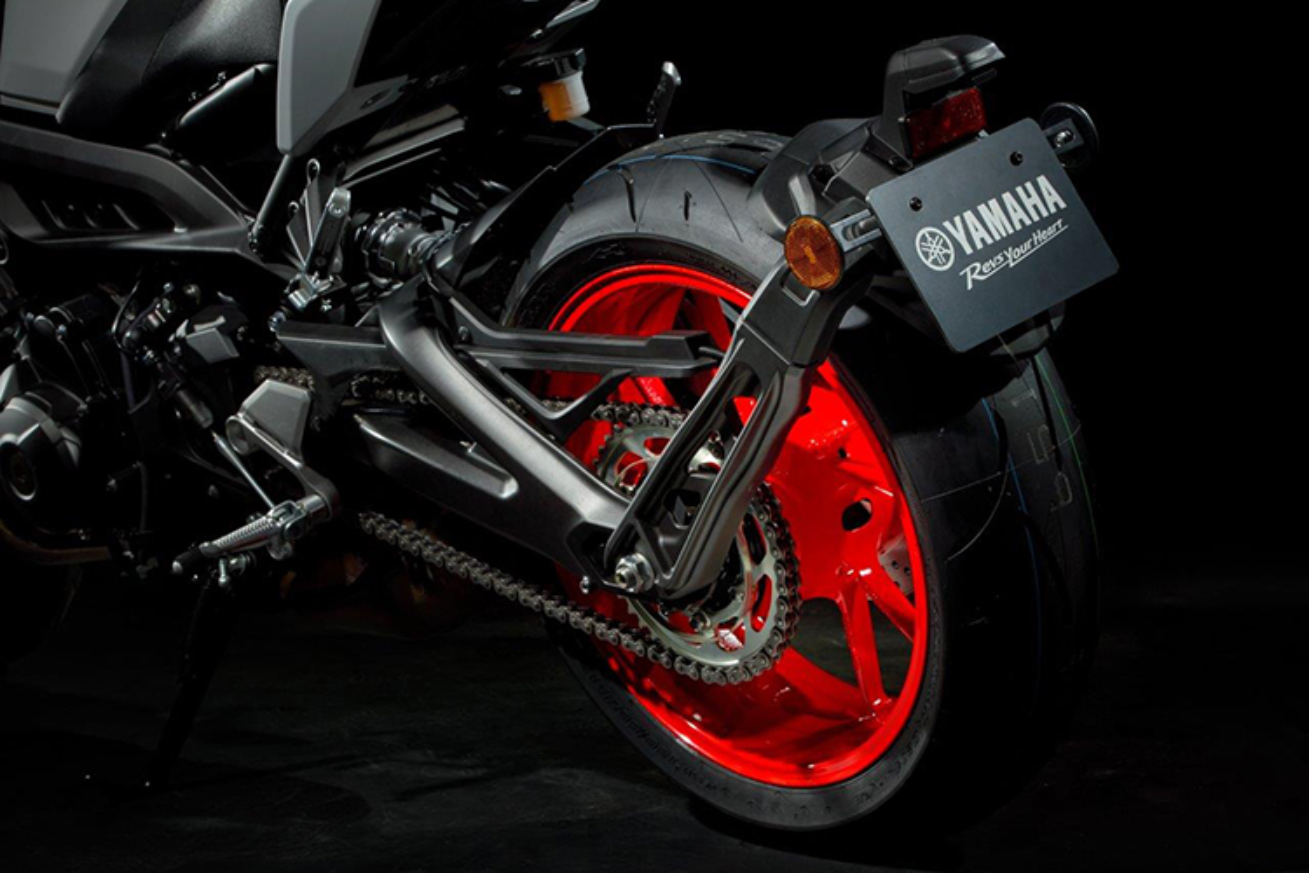 Yamaha MT-09 moi trang bi dong co tang them 7 ma luc-Hinh-5