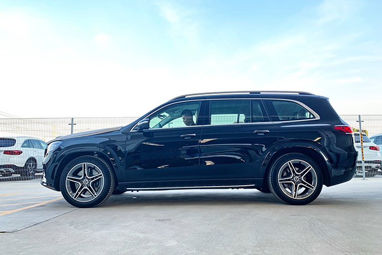 Can canh Mercedes-Benz GLS 450 nhap My, hon 6 ty o Ha Noi-Hinh-10
