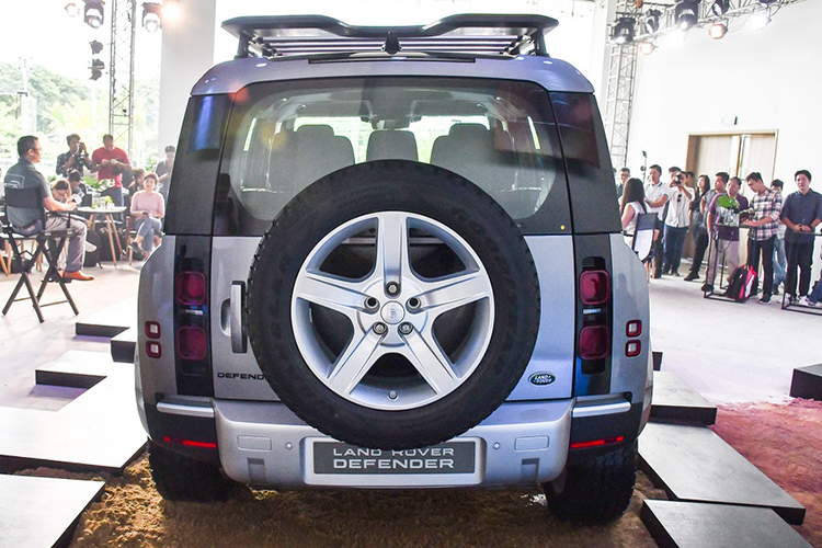 Land Rover Defender 2020 tu gan 4 ty chao hang tai Ha Noi-Hinh-4