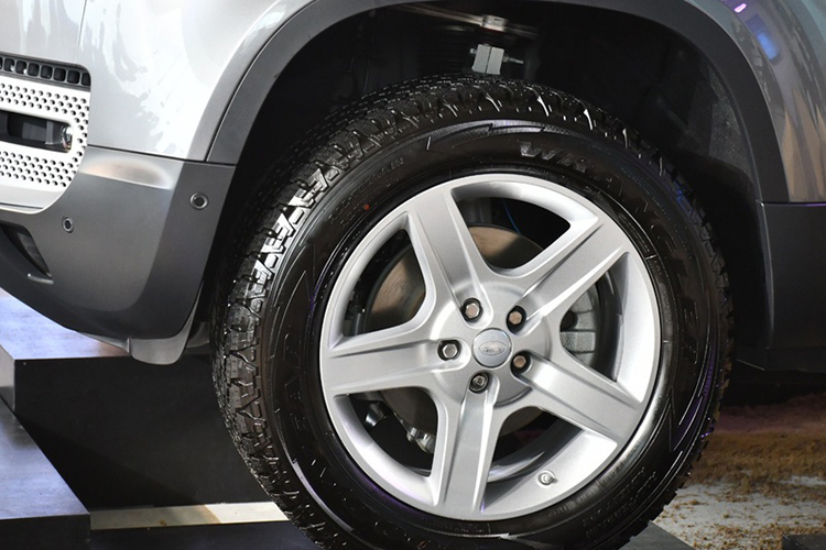 Land Rover Defender 2020 tu gan 4 ty chao hang tai Ha Noi-Hinh-5