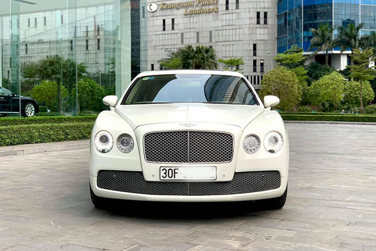 Chi tiet xe sieu sang Bentley Flying Spur chi 2,6 ty o Ha Noi-Hinh-11