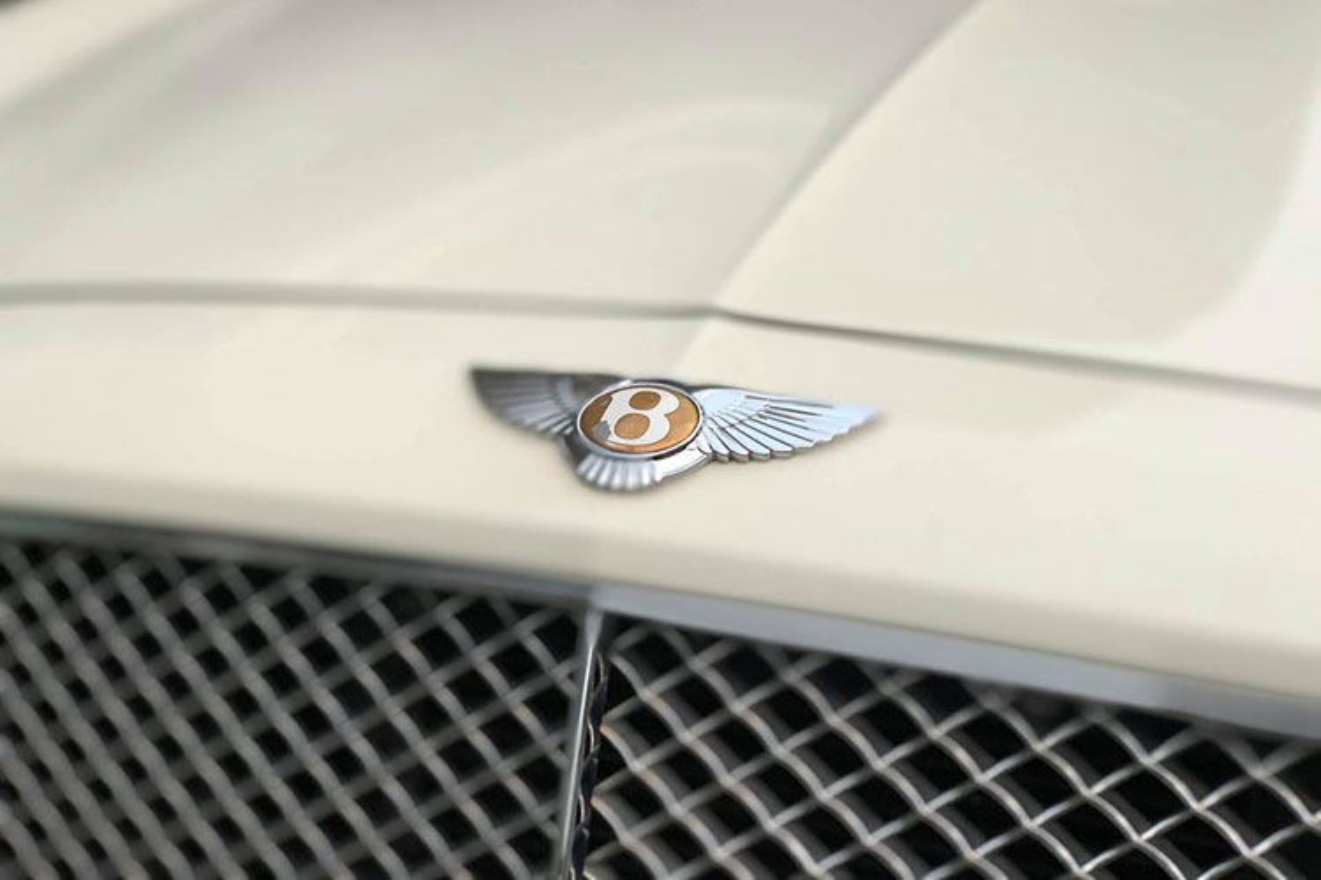 Chi tiet xe sieu sang Bentley Flying Spur chi 2,6 ty o Ha Noi-Hinh-4