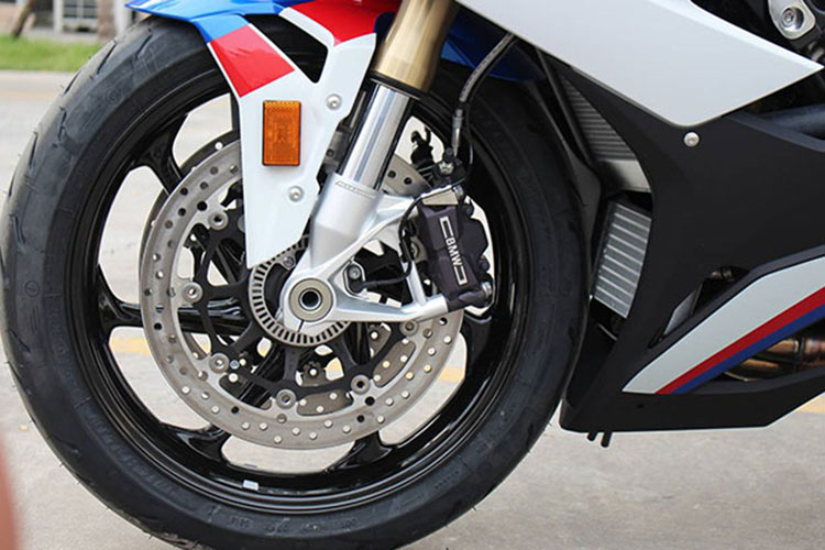 Can canh BMW S1000RR 2020