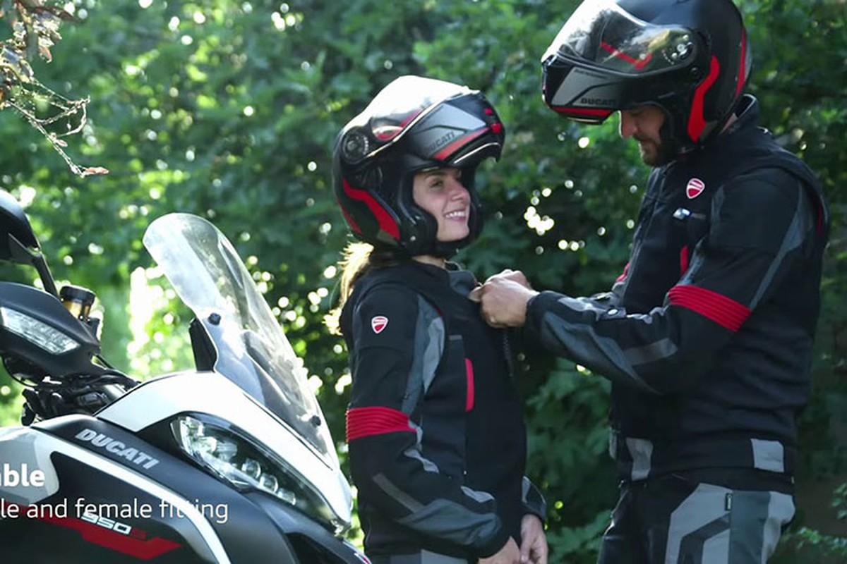Ducati ra mat ao giap tich hop tui khi cuc ky an toan