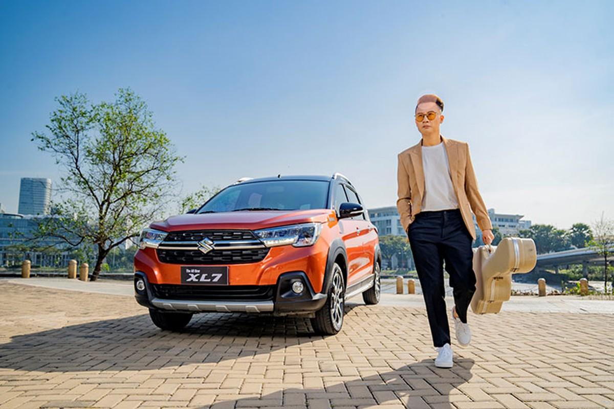Ca si Hoang Bach khoi dau moi 2021 voi Suzuki XL7-Hinh-5
