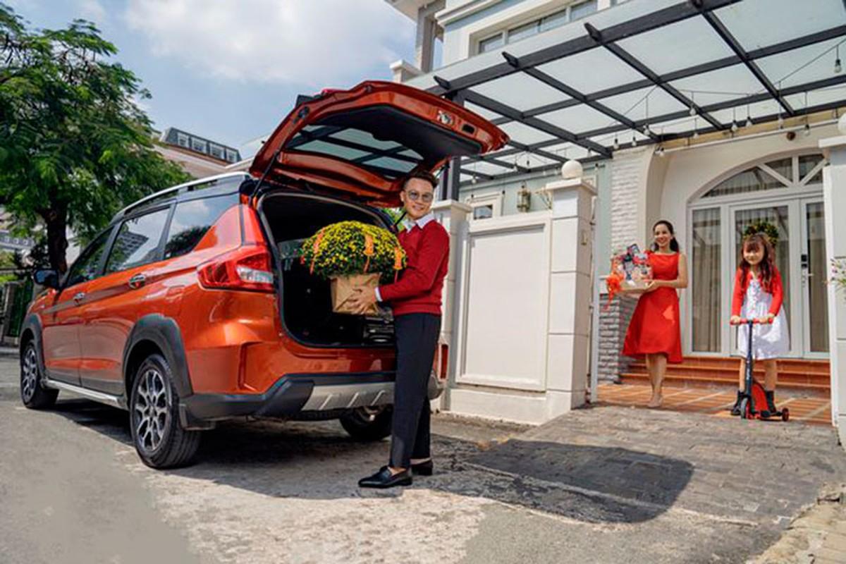 Ca si Hoang Bach khoi dau moi 2021 voi Suzuki XL7-Hinh-9