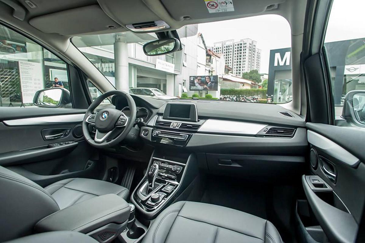 BMW 218i tai Viet Nam chi con 999 trieu, re ngang Toyota Innova-Hinh-6